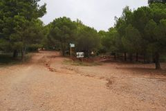 Can Roca; bifurcación a Can Rubió o al camí de les Bramones por les Roques Blaves (els Blaus)