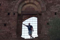 Ruinas del castillo / monasterio de Sant Genís de Rocafort