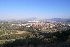 Panorámica de Martorell y el macizo de Montserrat desde las ruinas del castillo / monasterio de Sant Genís de Rocafort