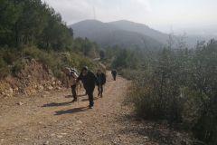 LLegando al Coll de Can Rubió y tod@as echad@s p'alante