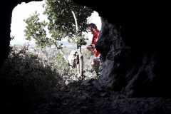 Boca de entrada a la cova del Senecó desde su interior