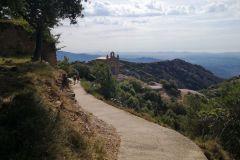 Hacia los restos de la ermita de Sant Onofre, desde Sant Joan