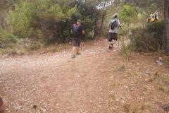 """Tomaremos a la derecha hacia Montserrat (por la """"dreçera del Fra Garí"""") y la cova de les Arnes"""
