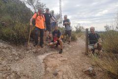 """Dejaremos el camino hacia Montserrat (por la """"dreçera del Fra Garí"""") y tomaremos a la derecha hacia la cova de les Arnes"""