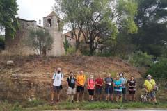 Foto de grupo frente al aparcamiento en Esblada